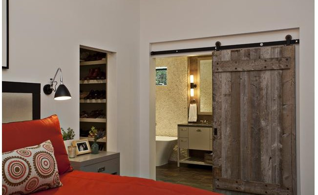 Barn-Door-Frank-Paul-Perez-Photographer-via-Houzz